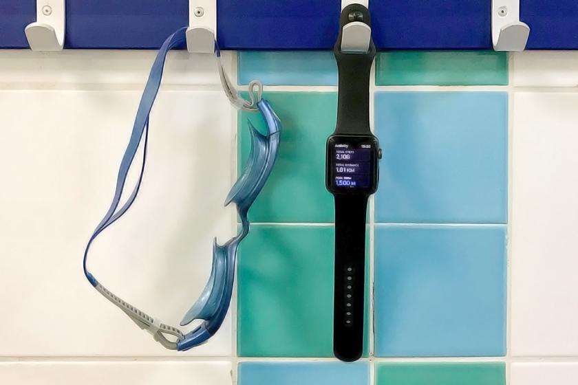 Водонепроницаемые Apple Watch Series 2