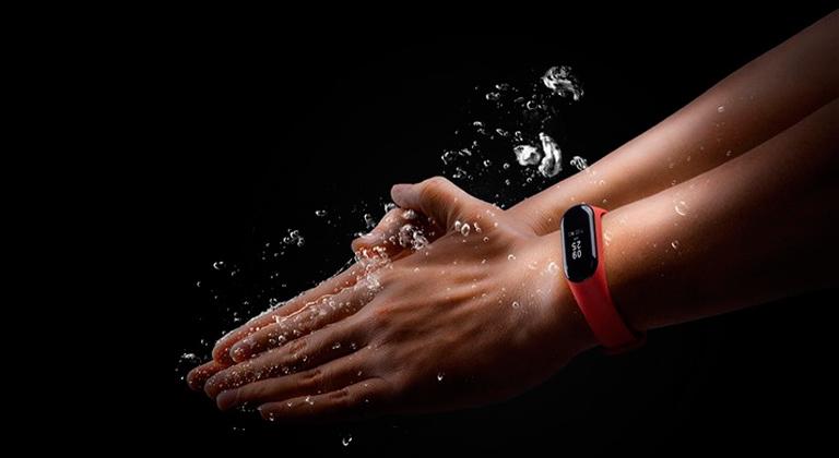 Водонепроницаемый браслет Xiaomi Mi Band 3